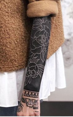 Striking Solid Black Tattoos Will Make You Want To Go All In - awesome blackout tattoo ideas for women © tattoo artist Dejan Furlan 💓💓💓💓💓💓 -These Striking Solid Black Tattoos Will Make You Want To Go All In - awesome blackout tattoo ideas fo. Black Sleeve Tattoo, Black Tattoo Cover Up, Cover Up Tattoos, Sleeve Tattoos, Tattoo Sleeves, Solid Black Tattoo, Black White Tattoos, White Ink, Black Work Tattoo