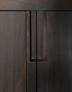 Detail by Anne Derasse, Appartement Paris XVI. Furniture Handles, Cool Furniture, Furniture Design, Furniture Ideas, Detail Architecture, Interior Architecture, Cabinet Handles, Door Handles, Joinery Details