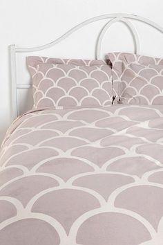 Scalloped Bedding. LOVE!