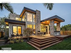 Rustic Modern Home Design never go out of types. Rustic Modern Home Design is usually ornamented in many approaches each home furniture decided on declare a Casas Containers, Modern Prefab Homes, Prefabricated Houses, Modern Exterior, Stone Exterior, Modern Garage, Rustic Exterior, Stone Facade, Modern Craftsman