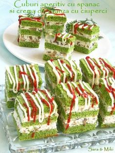 Romanian dishes: Appetizers in cubes with spinach, lettuce, … – Meat Foods Meat Recipes, Cooking Recipes, Healthy Recipes, Apéritifs Pinwheel, Feta, Pinwheel Appetizers, Romanian Food, Some Recipe, Appetisers