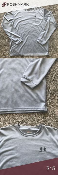 Men's Under Armour long sleeve EUC men's Under Armor long sleeve heatgear shirt in a size large. The color is a silvery blue color. Preloved but in great condition! Under Armour Shirts Tees - Short Sleeve