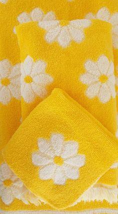 Vintage 3 Pc Yellow White Daisy Bath Hand Towel Wash Cloth Martex Westpoint…