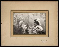 Bust de Clara Noble vestida de Reina dels Jocs Florals, 1904