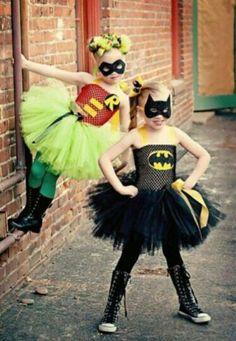 Mama quería que fueran princesas, ellas querian diafrazarse de super heroínas,  este es el resultado