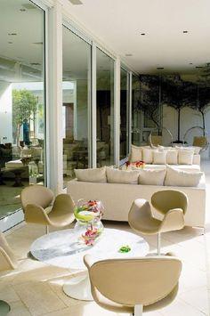 Luxurious - - Modern Terrace #terrace #modern http://www.pinterest.com/tweedandloafers/terracebalcony/