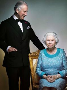 The Queen Poses For Renowned Fashion Photographer To Mark Her 90th Year+#refinery29uk