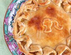 Bom dia da Dona Manteiga com a Torta que leva o nosso nome. #tortadonamanteiga 🌱🐔🐄🍫🍰 @donamanteiga #donamanteiga #danusapenna #amanteigadas #gastronomia #food #bolos #tortas www.donamanteiga.com.br