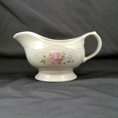 "Pfaltzgraff Tea Rose Footed Gravy Boat Cream Stoneware Pink Roses 4.25"" x 8.25"" #Pfaltzgraff"
