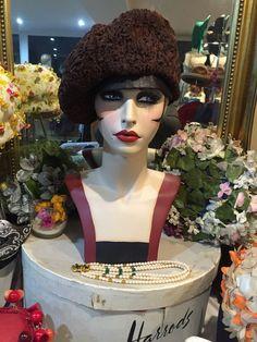 STUNNING VINTAGE MITZI LORENZ 1960 s BROWN PERSIAN LAMB  ADTRAKA HAT