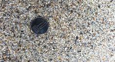 https://flic.kr/p/zZXVNr   Pietris cuartos pentru foraje puturi a   Acviferele din Romania sunt cantonate de f multe ori in nisipuri fine si extra fine / prafoase. Obtinerea unei ape perfect limpezi, fara nici o depunere solida este o treaba inginereasca. Este obligatorie folosirea unor pietrisuri cuartoase de granulatii mici 1-3 mm, sau chiar uneori si mai mici 0,8-2 mm cum e cel din imagine folosit de noi in zona Bucuresti Ilfov cu mare succes. Mai multe detalii pe www.ondrill.ro