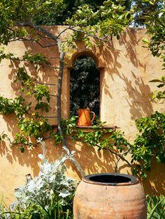 this informal tuscan garden uses a relaxed planting scheme, Garten und erstellen