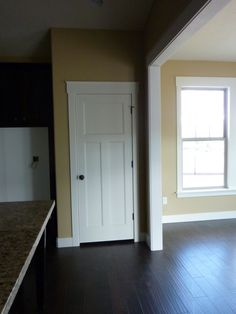 Craftsman moldings – baseboards and how framing meets the floor - Handwerker trimmen Craftsman Trim, Craftsman Interior, Interior Trim, Craftsman Homes, Baseboard Trim, Baseboards, Home Renovation, Home Remodeling, Moldings And Trim