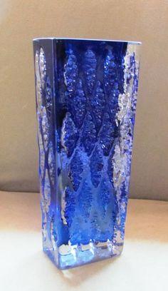 Ingrid Glashütte - Deutschland  Glas Vase; Überfangglas Blau-Transp.