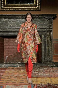 Tia Cibani Fall 2014 Ready-to-Wear Collection Slideshow on Style.com