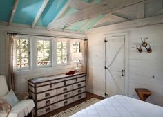 country with a touch of a vintage beachy look. love it!