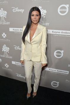 Pin for Later: Jessica Alba hatte geladen und die Stars kamen in Scharen Kourtney Kardashian