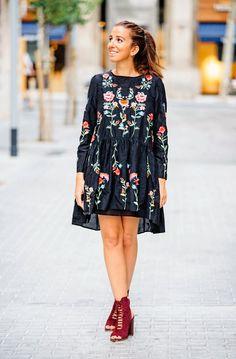 Стильные маленькие платья с вышивкой 3