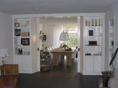 Kamer en suite volledig op maat gemaakt door Ben interieurbouw uit Breda * greeploze kast deuren * softclosing schuifdeuren * geprofileerd deuren,plint en koof