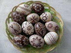 Easter Traditions, Egg Art, Egg Decorating, Easter Wreaths, Easter Eggs, Special Occasion, Projects To Try, Carving, Food
