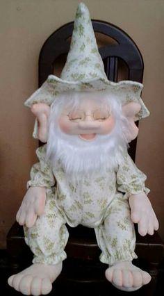 Duende Christmas Elf, Simple Christmas, Christmas Crafts, Christmas Ornaments, Sock Dolls, Doll Toys, Doll Crafts, Diy Doll, Felt Crafts Patterns