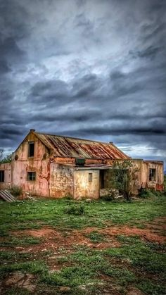Pioneer House, Small Places, Abandoned Places, Art Studios, Beautiful World, South Africa, Beautiful Pictures, Farmhouse, Cabin