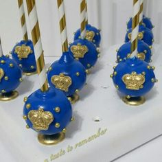 12 Royal Prince or Princess Cake Pops Any by ATasteToRemember Baby Shower Sweets, Baby Shower Favors Girl, Baby Boy Shower, Cakepops, Princess Cake Pops, Royal Princess, Royal Theme Party, Prince Birthday Theme, Cake Pop Decorating