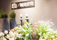 Lederleitner: Flowerpower im Grazer Take Away Table Decorations, Shop, Plants, Furniture, Home Decor, Accessories, Cut Flowers, Potted Trees, Graz