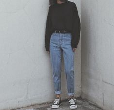 Teen Fashion Outfits, Retro Outfits, Cute Casual Outfits, Vintage Outfits, Korean Outfit Street Styles, Korean Street Fashion, Aesthetic Fashion, Aesthetic Clothes, Mom Jeans Outfit