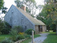 Sandwich has a number of historic houses. The interior of the saltbox style Hoxie House has been restored to its original 1675 appearance.