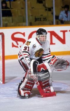 eaa7070d0 Dominik Hasek (1990-92) • Chicago Blackhawks