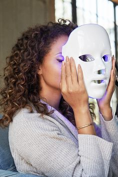 A Guide To High-Tech Beauty Tools, Part One: LED Face Masks - maed Braided Hairstyles For School, Light Mask, Dark Spots On Skin, Pigmentation, Led Light Therapy, Skin Clinic, Les Rides, Bright Skin, Skin Care Tools