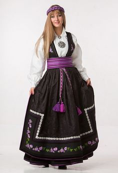 Beltestakk lilla_mod6 Folk Costume, Costumes, Classy Clothes, Chinese, Victorian, Culture, Traditional, Bridal, Lifestyle