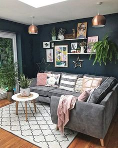Creative, Colourful Living Spaces to Increase Productivity. - Living Room Rugs - All You Need To Know Corner Sofa Living Room, Living Room Grey, Rugs In Living Room, Living Room Designs, Living Spaces, Living Room Decor Colours, Corner Sofa In Kitchen, Small Living, Charcoal Sofa Living Room