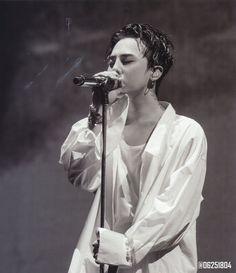 """[SCANS] G-Dragon - BIGBANG10 0.TO.10 in Seoul DVD (KR Ver.)  © 06251804 | Do not edit.  """