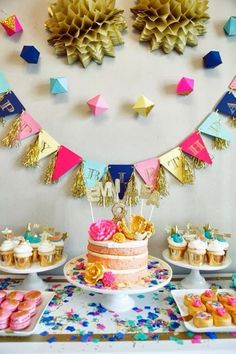 DIY paper decoration: Glitz and Glamour Party by Oh Goodie Designs