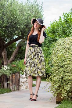 Pineapple skirt, crop top & floppy hat - Retro Fashion Blogger Outfit - www.retrosonja.com