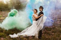 Sesja plenerowa - Kolorowe race dymne - Fotografia ślubna - Kliknij na www i obejrzyj cała sesję Wedding Dresses, Fashion, Stop It, Bride Dresses, Moda, Bridal Gowns, Fashion Styles, Weeding Dresses, Wedding Dressses