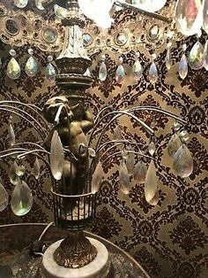 LL WMC CHANDELIER TABLE LAMP PRISM/CRYSTAL