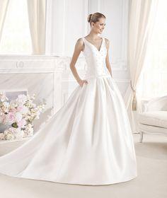 Coleção 2015 da La Sposa #VestidodeNoiva #noiva #LaSposa #colecao2015 #weddingdress #bridal #gown #bride #noivinhasdeluxo
