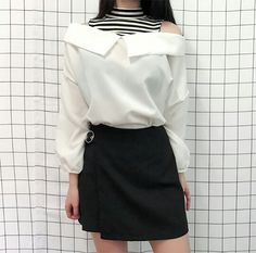 Style skirt outfits like you would be comfortable wearing wearing it skirt lenght wise. Fashion Mode, Korea Fashion, Asian Fashion, Look Fashion, Skirt Fashion, Fashion Outfits, Womens Fashion, Fashion Design, Casual Outfits