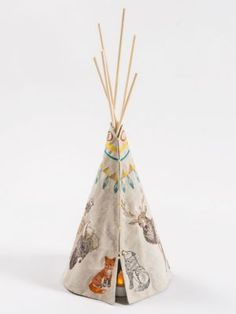 LARGE TIPI WITH VOTIVE