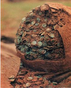 The Nether Compton Hoard of Roman coins was deposited around AD 339 and found by Mike Pittard whilst metal detecting in a field near Nether Compton on February 1989 (Image courtesy of Mike Pittard). Finding Treasure, Buried Treasure, Ancient Roman Coins, Ancient Romans, Historical Artifacts, Ancient Artifacts, Roman Coins For Sale, Arrow Of Time, Metal Detecting Finds