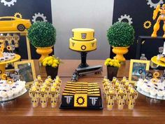 Transformers Bumblebee, Transformer Party, Transformers Birthday Parties, Batman Birthday, Bumble Bee Birthday, Dessert Table Birthday, Baby Shower Yellow, Party Themes For Boys, Bee Party