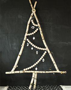 christmas tree Alternative Christmas Tree, Diy Christmas Tree, Christmas Is Coming, Santa Christmas, Xmas Tree, Winter Christmas, Christmas Holidays, Happy Holidays, Tree Decorations