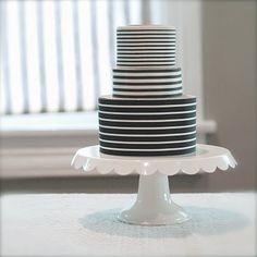 black and white ribbon cake / simple