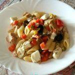 Mezze+penne+con+verdure+tonno+e+mozzarella