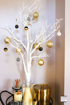 How to Mix and Match Decor for a Rustic Chic and Modern Glam Christmas! – Home Decoration Christmas Trends, Modern Christmas, Christmas Inspiration, Rustic Christmas, All Things Christmas, Beautiful Christmas, Christmas Crafts, Christmas Ornaments, Christmas Christmas