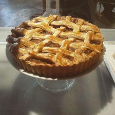 "@monkeekoffee's photo: ""Nuestra Suculenta Tarta De Manzana!! #tartamanzana #tartaycafé #monkeekoffee #madrid"""