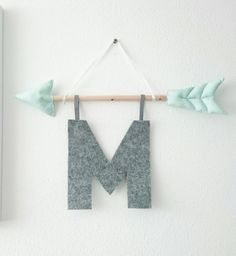 Arrow Indians 2 0 with letters Megacool and modern wall hanging for the child . Arrow Indians 2 0 with letters Megacool and modern wall hanging for the children& room or to Baby Room Decor, Nursery Decor, Wall Decor, Playroom Decor, Felt Crafts, Diy And Crafts, Indian Room, Diy Bebe, Baby Boy Rooms